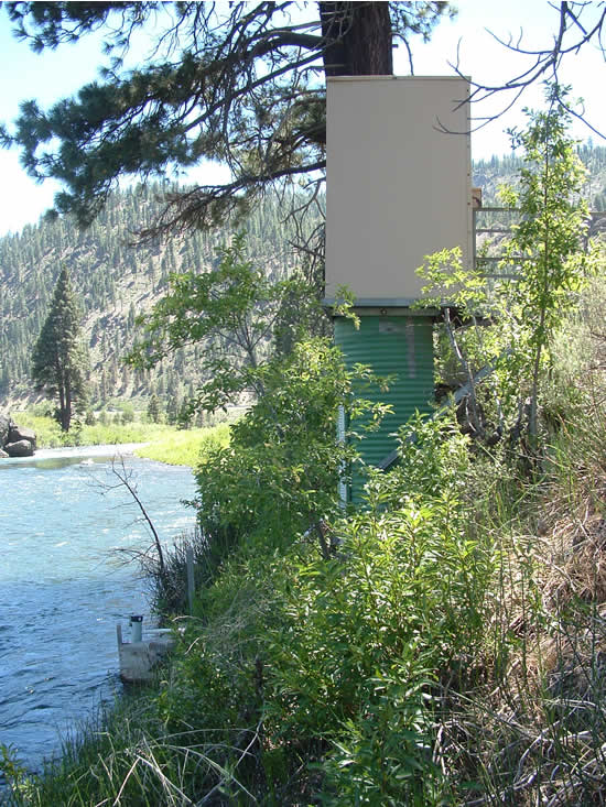 GAGE HOUSE PHOTOGRAPH - TRUCKEE RIVER - FARAD (FARC1)